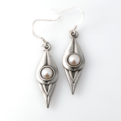 Flora Pearl Earrings Desert Pea